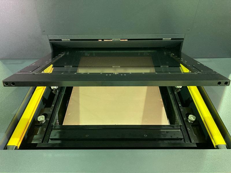 基板表面高さ一式固定方式